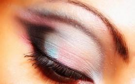 О женском характере расскажет макияж