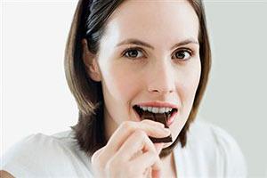 Плитка шоколада – польза для талии