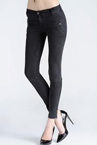 Узкие джинсы — тренд наступающего сезона
