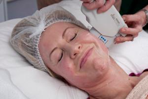 Самая болезненная косметическая процедура дает невероятный эффект
