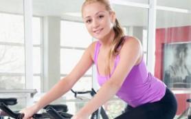 Две трети женщин наносят макияж в спортзал