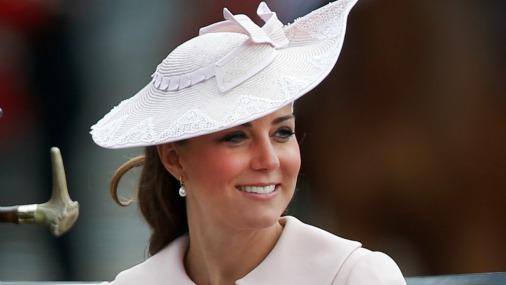 Герцогиня Кембриджская стала примером для молодых мам