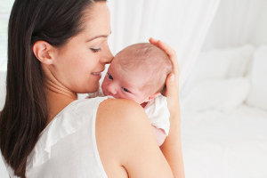 Около половины новорожденных детей имеют плоский череп