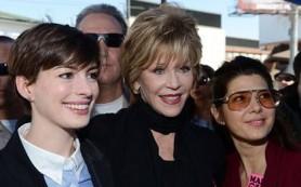 Звездные мамочки Голливуда выступили против папарацци