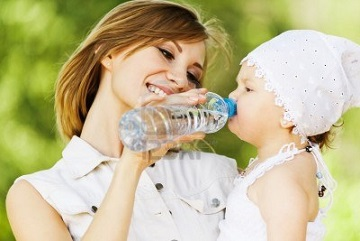 Самыми счастливыми являются излишне заботливые мамы