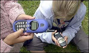 Вред от мобильников по-новому оценен медиками