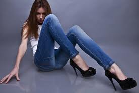 Модные узкие джинсы вредят доллару