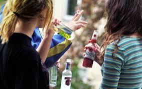 Подростки пьют из-за попсовых песен