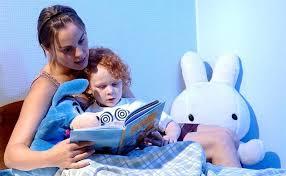 По данным опроса, первое слово 10% малышей было не мама, а планшет