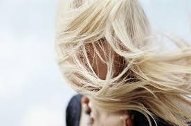 Как уберечь волосы в холодное время года
