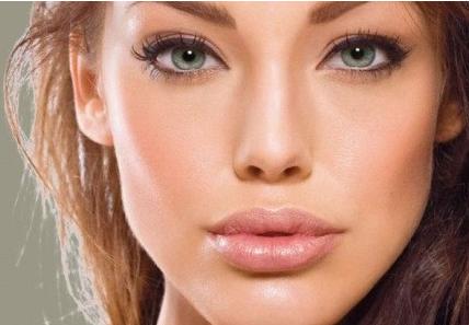 Как правильно сохранить косметику