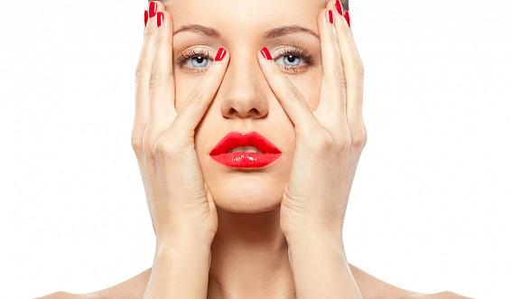 Ухоженные руки у женщины: как избежать ломкости ногтей