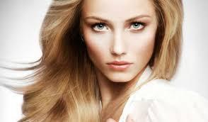 Как правильно ухаживать за жирными длинными волосами?