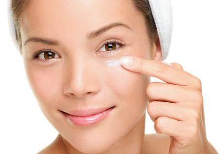 ТОП-5 масок для удаления мимических морщин под глазами
