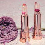 Объект желания: прозрачная помада с цветком внутри