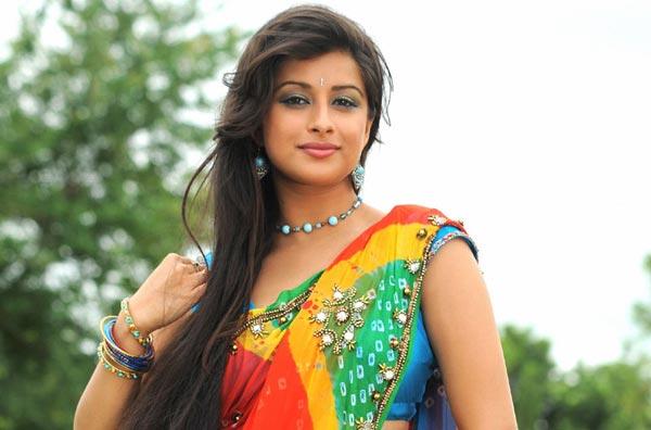 Как индийские женщины ухаживают за волосами