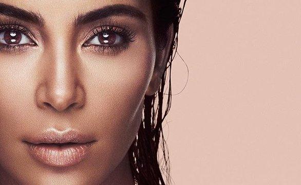 Ким Кардашьян представила новый бьюти-продукт для KKW Beauty