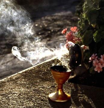 Мистика и ароматы. Эзотерические эссенции