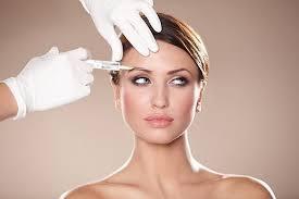 Плюсы и минусы уколов красоты: комментируют эксперты