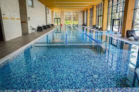 Кто в бассейне живет?