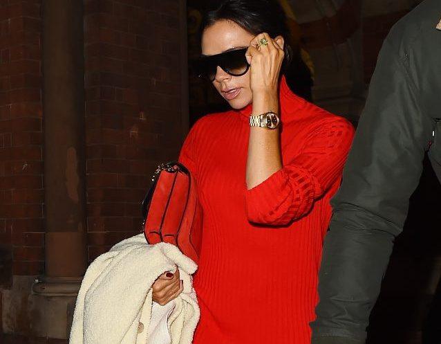 Виктория Бекхэм знает, как носить total red
