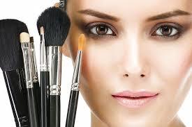 Ошибки макияжа, придающие лицу усталый вид