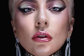 Леди Гага запускает собственную линейку косметики