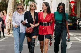 Итальянки носят дизайнерскую одежду или повседневную?