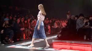 Умеренные цвета и геометрические принты в коллекции японского бренда Tiit весна-лето