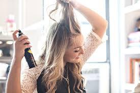 7 неожиданных способов применения сухого шампуня