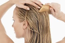 «Возможно ли бороться с выпадением волос народными средствами?»