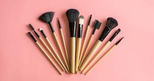5 кистей для макияжа, без которых вам не обойтись