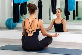 Велнес-совет недели: медитация перед зеркалом