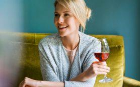 Винная «диета»: на что способен один бокал вина перед сном