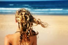 5 правил по уходу за волосами летом