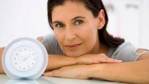 Жизнь в менопаузе: 7 откровенных вопросов о климаксе (и ответы на них)