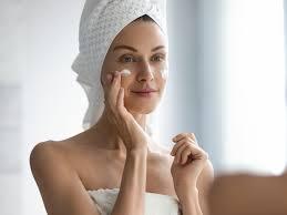 Как ухаживать за кожей в праздники: 8 главных правил