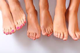 Домашний уход за ногами: как избавится от неприятного запаха