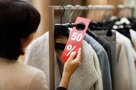 Какую одежду стоит покупать на распродажах