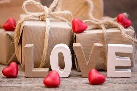 Подарки для двоих: как сделать приятное ей и ему