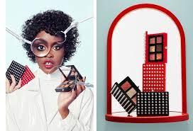 С шипами и заклепками: 6 палеток макияжа Christian Louboutin с фирменными чехлами