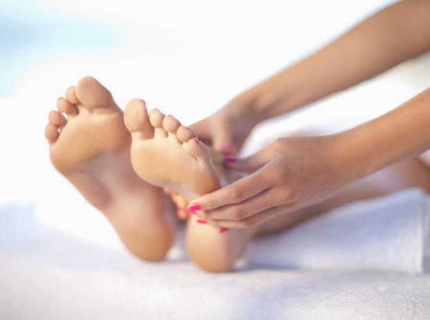 Советы остеопата: как избавиться от косточки на ноге