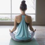 Держи ровно: как позвоночник связан с нашим здоровьем и эмоциями